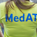 Der MedAT findet in Österreich jedes Jahr zeitgleich im Juli an den Medizinischen Universitäten in Wien, Innsbruck, Graz und Linz statt. Unsere Fotogalerie zeigt dir wie es vor Ort aussieht: